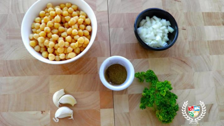 Lunchbox Favourites – Homemade Hummus.